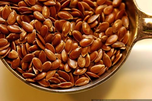 Как использовать льняное семя для поддержания красоты и здоровья