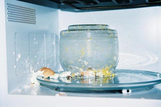 Как правильно ухаживать за микроволновой печью?