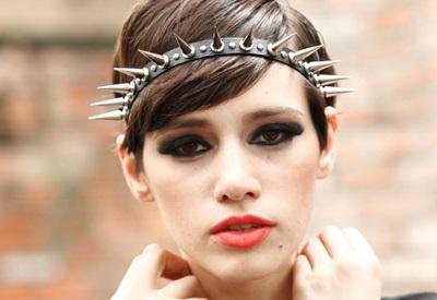 Как сделать модные украшения с шипами