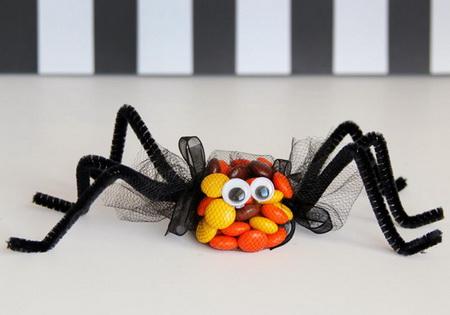 Как сделать сладких пауков на Хэллоуин