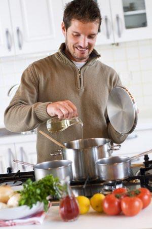 Устройте ей сюрприз при помощи самолично приготовленного вкусного обеда