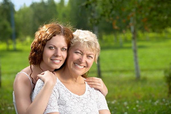 мама со взрослой дочерью