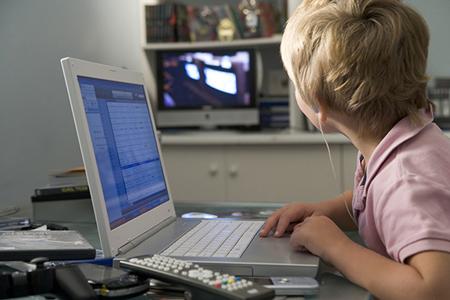 Устраните все лишние звуки, чтобы ребенок смог сконцентрироваться