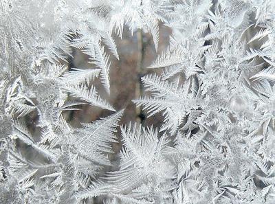 Как образуются морозные узоры на стекле