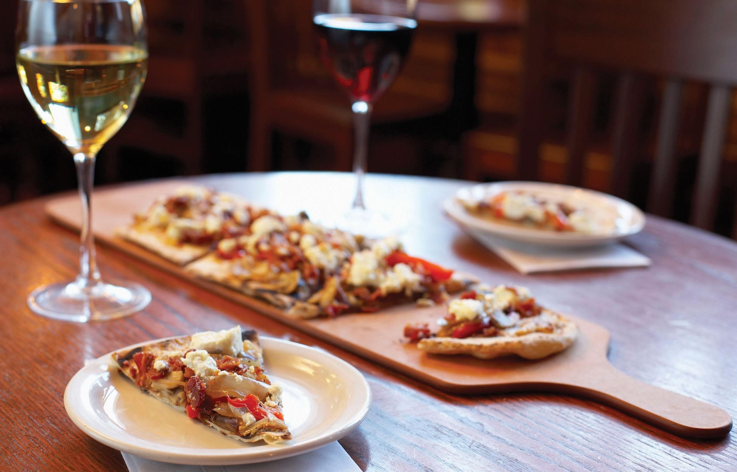 Как узнать правила подачи и употребления пиццы
