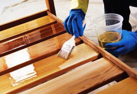 Как защитить деревянное строение от грибка и гнили