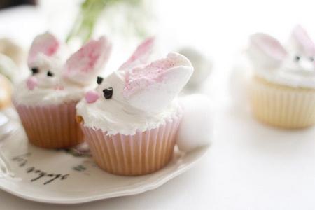 Как сделать сладких зайчиков для пасхального стола?