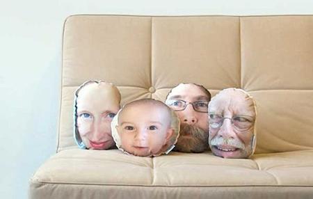Головы со снимков на овальных и круглых подушках в форме лиц