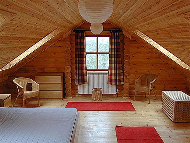 Как сделать из мансарды жилое помещение?