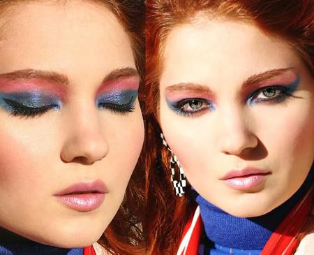 либо сделайте яркий, вызывающий многоцветный макияж, но помаду опять желательно оставить светлую