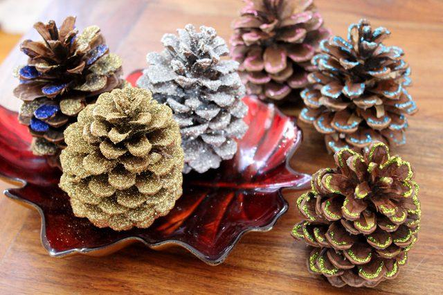 Как подготовить и украсить шишки для новогоднего декора?