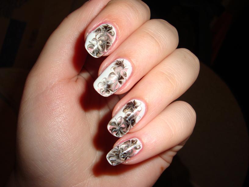 рисунки на ногтях иголкой узоры цветы маникюр