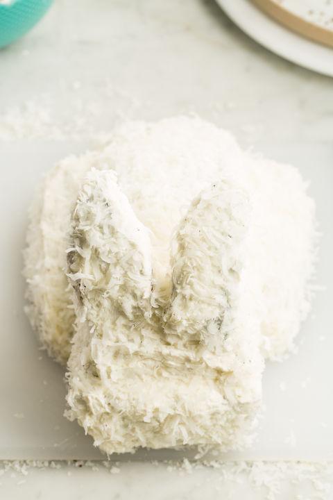 Как сделать праздничный торт в виде пасхального кролика