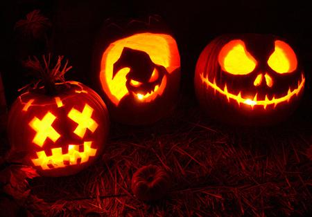 Но вы не должны обращаться напрямую к стандартам и создавать предсказуемые образы, это же Хэллоуин, тем более Хэллоуин 21 века