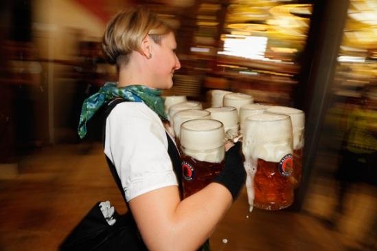 Как проходит знаменитый фестиваль пива Октоберфест