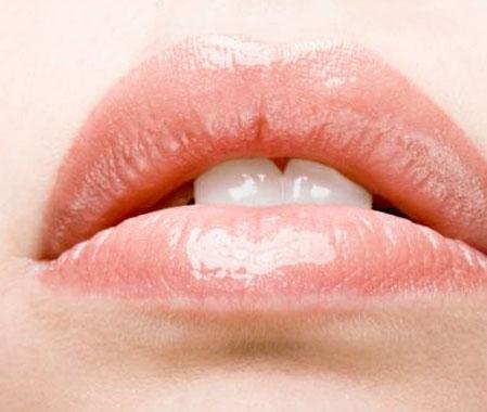 Как ухаживать за губами?