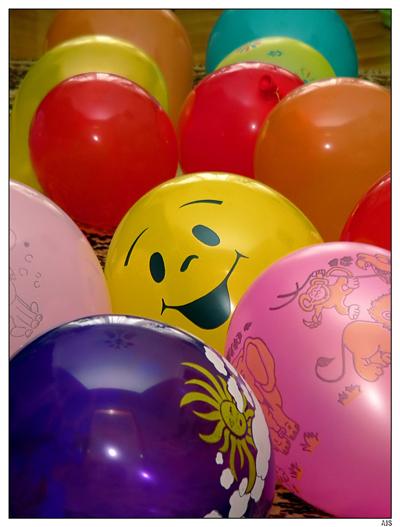 Записки в шариках. �спользуйте более прозрачные шары