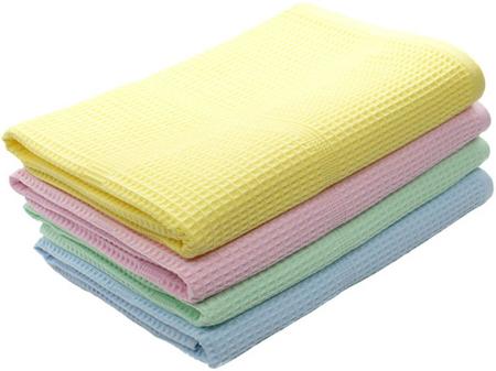 Полотенце для ног лучше всего выбирать именно вафельное