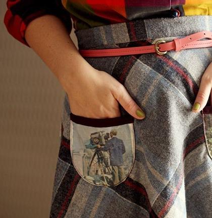 Попробуйте перевести любимые фотографии на карманы домашней одежды: юбок, халатов, фартуков, рубашек