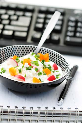 Как правильно питаться на работе не в ущерб здоровью?