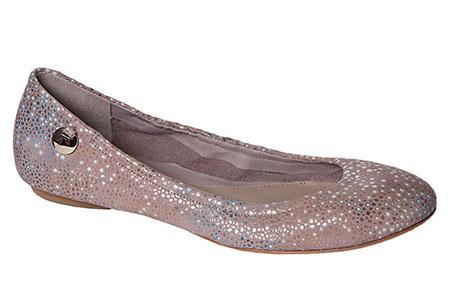 Поберегите ваши ноги, отдав предпочтение очаровательным балеткам с блестками
