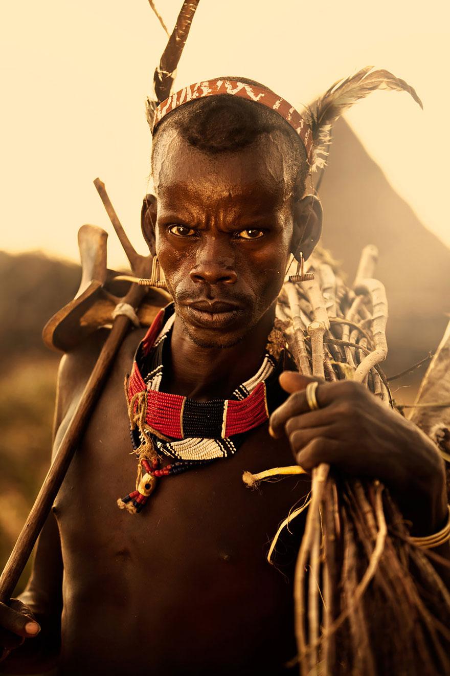 Человек из племени Хамер - фотоконкурс