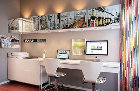 Переведите любимые снимки на заднюю панель верхней полки вашего рабочего стола