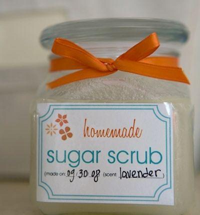 Говорят, лучший скраб для чувствительной весенней кожи – это домашний скраб из сахарной пудры