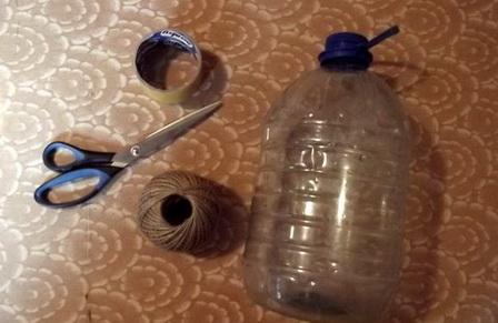 Как сделать простой скворечник из пластиковой бутылки?