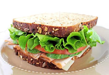 Как вкусно приготовить сэндвичи на все случаи жизни