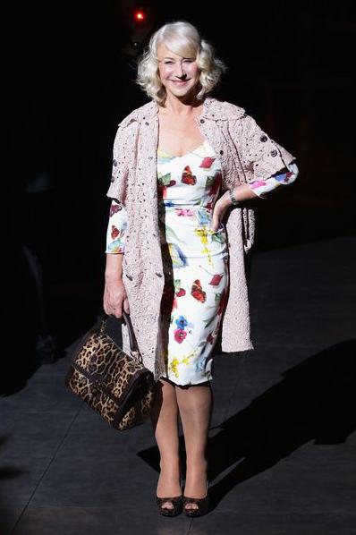 На самом деле в роскошных цветочных принтах кроется фонтан юности, что доказывает нам Леди Хеленн Мирен