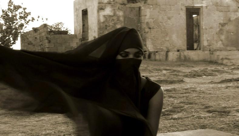Как носят никаб. Традиции и религия.