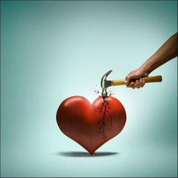 разбитое сердце разбивают молотком