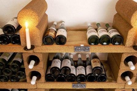 Как правильно хранить вино
