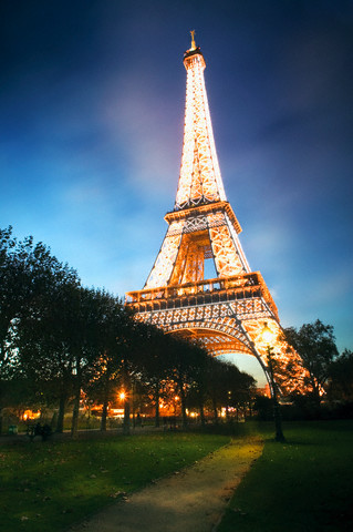 Париж. башня