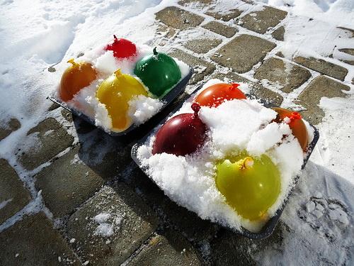 Как развлечь детей зимой на улице: 11 простых занятий