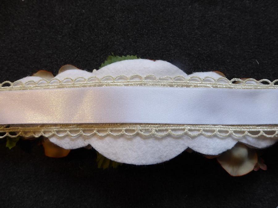 Как легко и быстро сделать пояс из цветов для свадебного платья