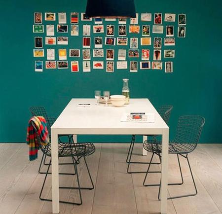 Не забывайте, что в минималистском, «джазовом» или «зеленом» (движение зеленых) интерьере всегда отлично смотрелись современные фотографии без рамок, просто рядком повешенные на стену.