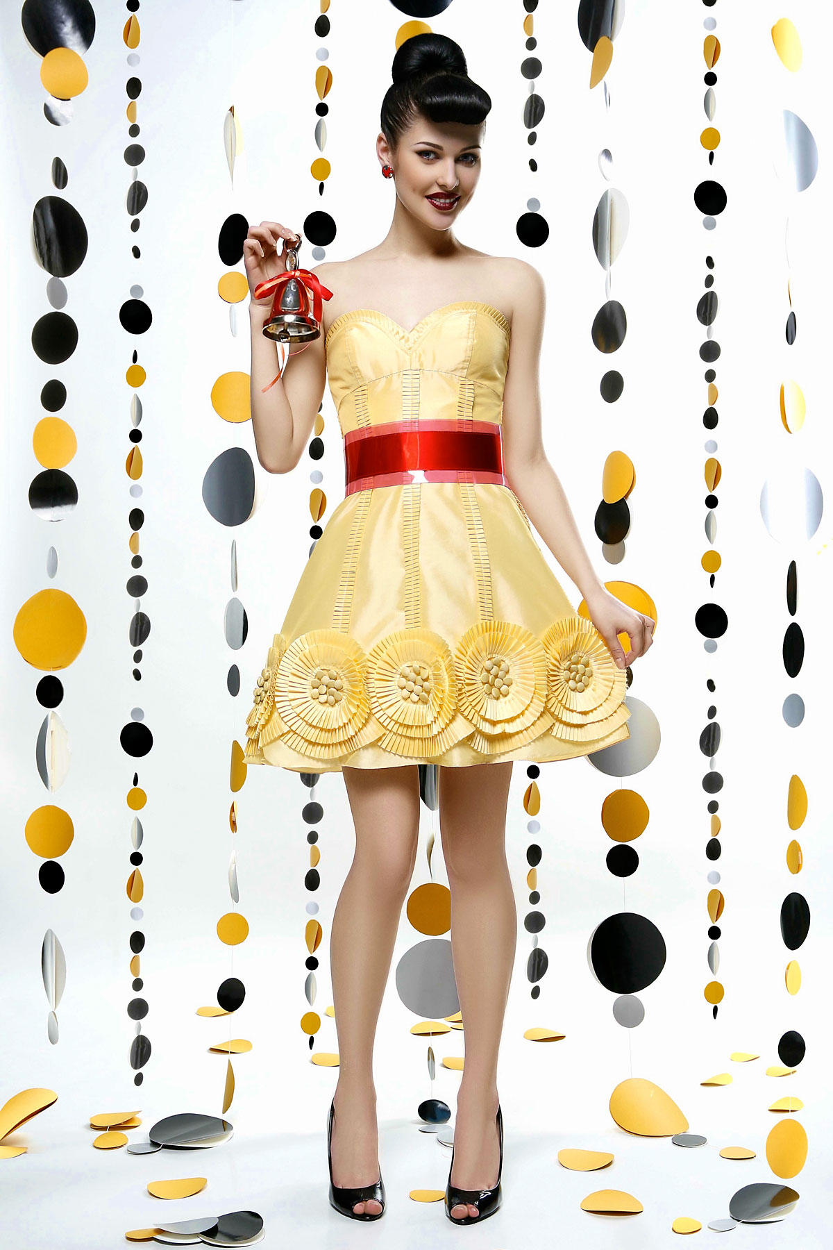 фуксия.  ПЛЮМАЖ (PLUMAGE Ceremony Project).  Особенности платья.