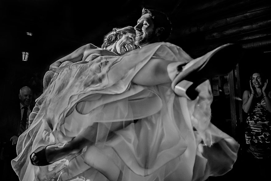 Свадебные снимки-лауреаты фотонаград 2014 г.: первый танец