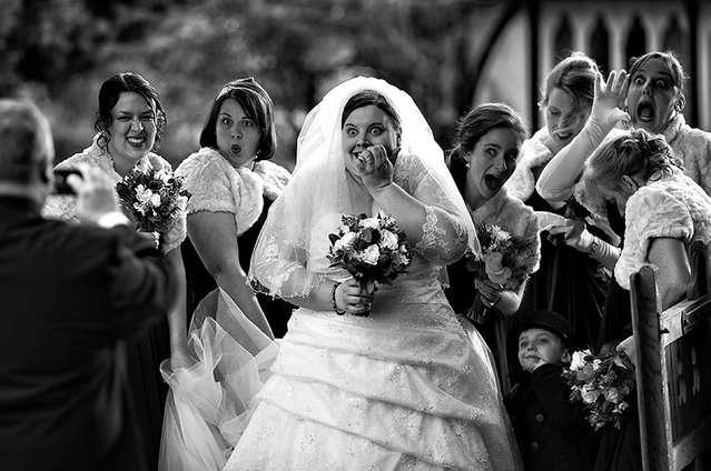 Свадебные снимки-лауреаты фотонаград 2014 г.: юмор, пышная невеста