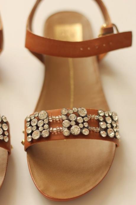модные сандалии для лета 2014 своими руками, украшаем: Кристаллы и кожа