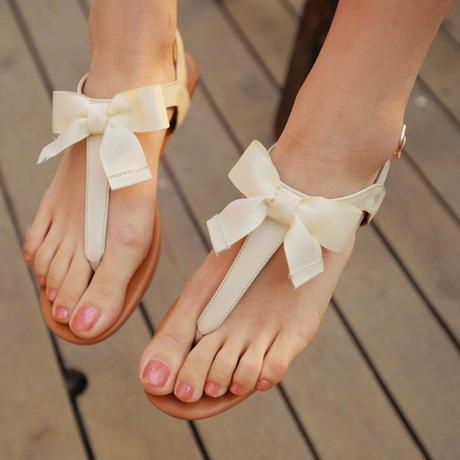 мода лета 2014: «Голые» сандалии-шлепки с бантиком своими руками