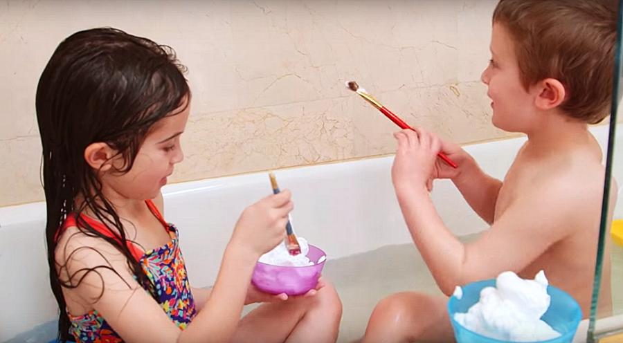 Как купание детей превратить в игру или лайфхаки для родителей