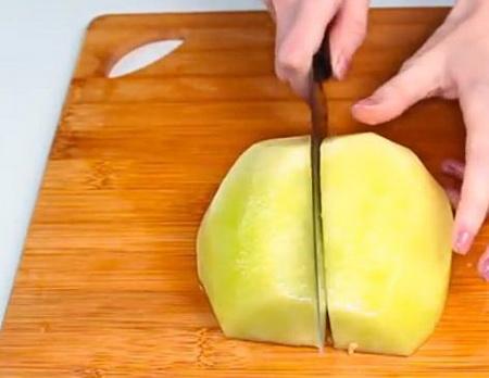 Как правильно и быстро нарезать дыню кусочками?