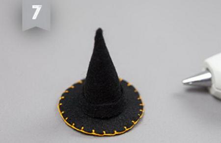 Как сделать фигурки ведьм для декора на Хэллоуин?