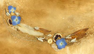 Пример открытки из искусственных цветов и перышков