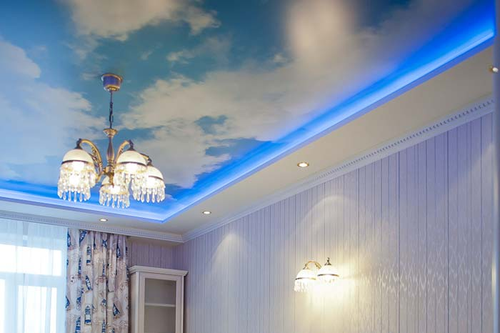 Как осовременить стиль Вашего дома при помощи натяжного потолка