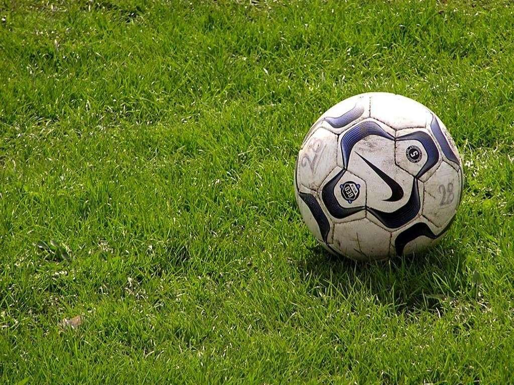 Как правильно выбрать футбольный мяч?