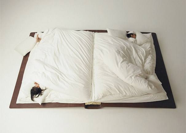 Кровать-книга jn Юсуке Сузуки (Yusuke Suzuki) необычные и оригинальные кровати